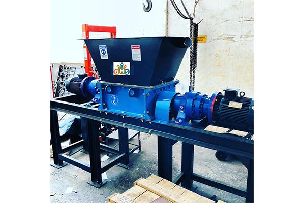 dual shaft shredding machine